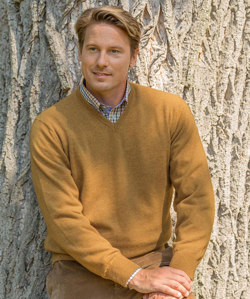 herren cashmere v pullover beige uni im daniels korff shop. Black Bedroom Furniture Sets. Home Design Ideas